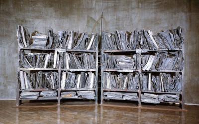 En konstnärs kommentar till apokalypsen? Anselm Kiefers blybibliotek »Zweistromland» (1985-89).