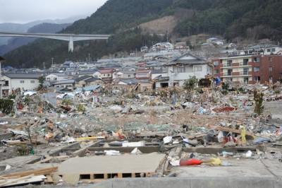 (cc) DVIDSHUB, Flickr Ödeläggelse efter en tsunami. Är det rimligt att tala om migration med sådana metaforer?